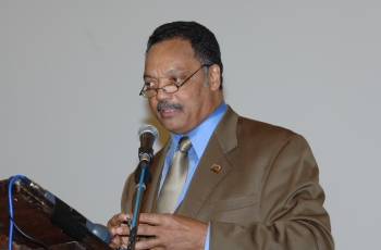 Reverend Jesse Jackson to take part in post-Lawrence trial Press Conference [1.5056179775281]